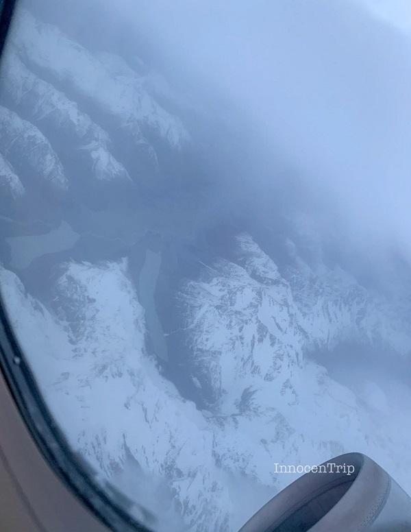 ニュージーランド上空の山