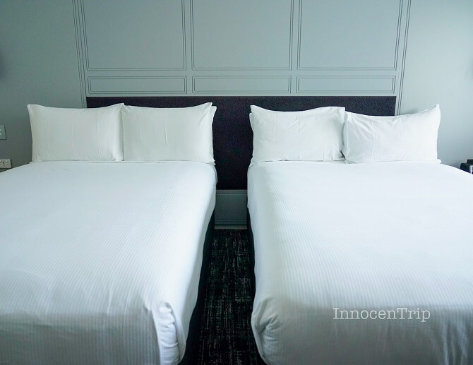 ダブルルームのベッド2台