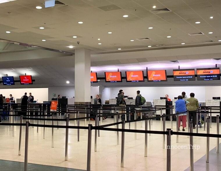 オークランド空港 チェックインカウンター