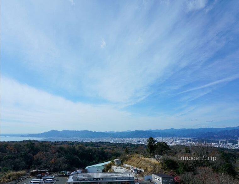 空と富士山と