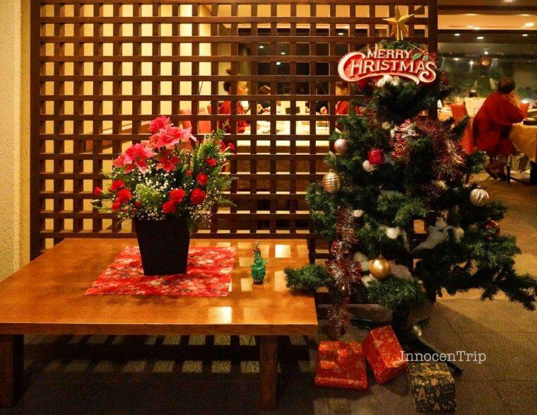 入口のクリスマスツリー