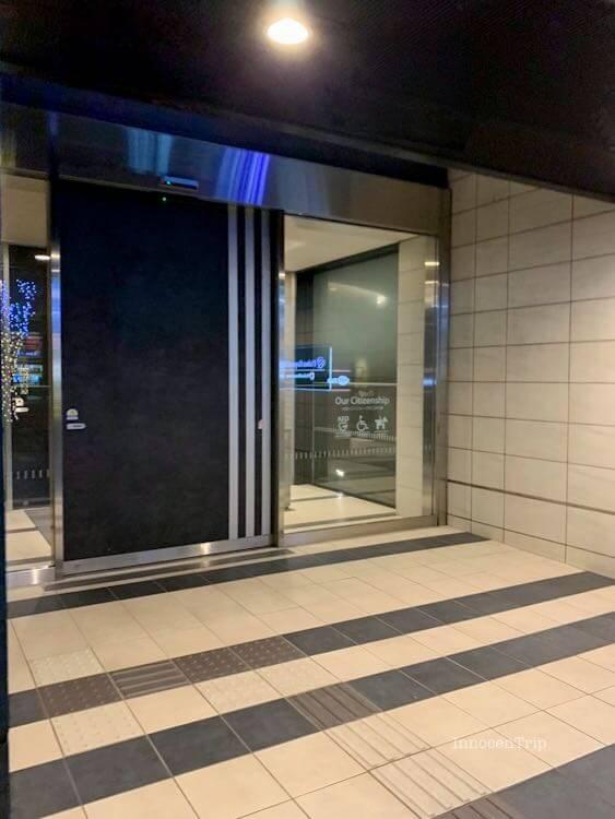 ダイワロイネットホテル千葉駅前ホテルのエントランス